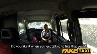 Faketaxi - Blondine Wird Auf Taxi Motorhaube Gefickt