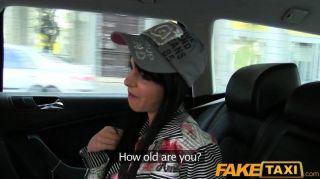 Faketaxi - Taxifahrer überzeugt Sie Zu Ficken
