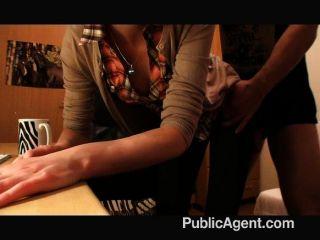 Publicagent - Kate Fällt Für Eine Gefälschte Interview