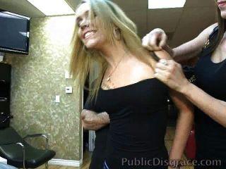 Schlampe Gangbanged In Einem Friseurladen