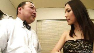 Nozomi Mashiro Nimmt Die Sache Selbst In Die Hand