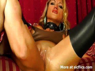 Erstaunliche Blonde Liebt Große Fisting Orgasmen