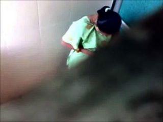 4 Mädchen Aus Mumbai College Toilette Pissing