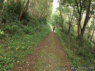 Dame Sonia Pelzmantel Und Overknee Stiefel In Den Wald
