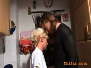 Blonde Deutsch Mutter Und Sohn Gefickt