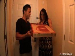 Vollbusige Milf Ruckeln Weg Von Der Pizzalieferant