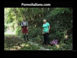 Il Pompino Della Tardona Nel Bosco - Das Blasen Altes Mädchen In Den Wald Cazzo Ita
