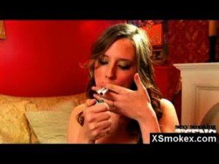 Herrlich Rauchen Fetisch Gal Wilden Nackt