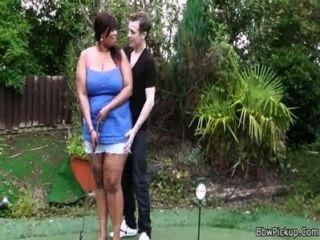 Ebenholz Bbw Wird Von Einem Golf-trainer Schlug