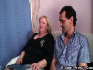 Oma Doppel Blasen Und Ficken