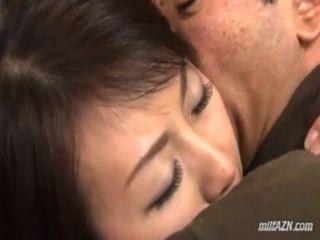 Skinny Milf Ihre Titten Immer Zu Ihrem Mann Gesicht Rieb Sitzen Leckte Auf Der Sein