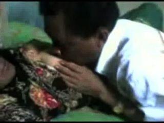 Indonesien-om Yang Sudah Gak Tahan Verzögerung