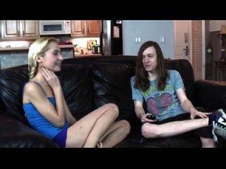 Skinny Schwester Saugt Und Fickt Ihren Bruder