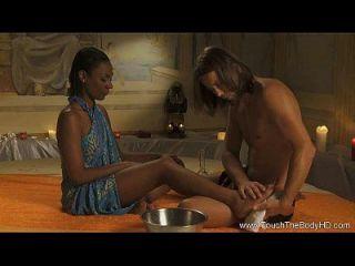 Fortgeschrittene Yoni-massage Für Romantische Paare