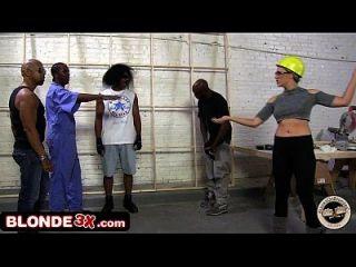 Big Tit Chanel Preston In Grobe Interracial Gangbang Gezwungen