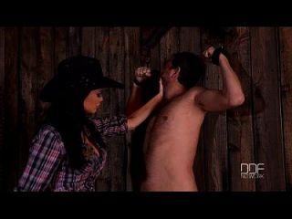 Jasmine Jae In Cowgirl Dominatrix Hardcore Männliche Bestrafung