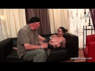 Spritzen Französisch Brunette Hart Analisiert Für Ihre Amateur Casting Couch