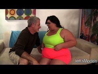 Fett Hure Bella Bendz Bekommt Ihre Muschi So Tief Geschlagen