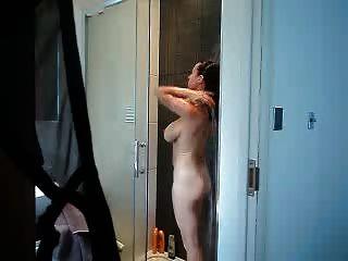 Beobachten Mama In Der Dusche
