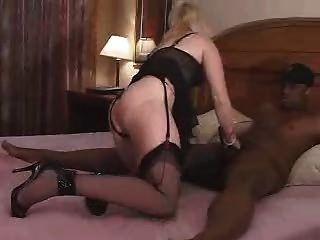 Echte Blonde Frau Nimmt Schwarzen Prügeln Für Meinen Mann Und Kamera! Großen Kommentar! Beobachten Kommentar Lesen!