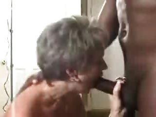 Eine Heiße Reife Frau Bekommt Eine Creampie Von Ihrem Schwarzen Lover.eln