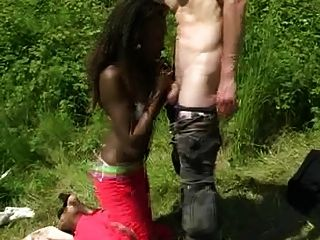 Weißer Mann Fickt Afrikanische Schönheit In Ass