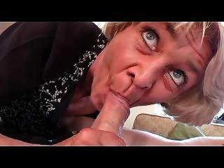 Dünn Oma In Den Schwarzen Strümpfen Fickt