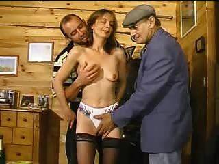 Seine Frau Mit Dem Alten Mann Teilen