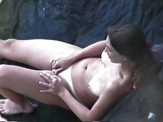 Frau Masturbiert Und Fucks
