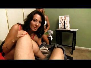 Sexy Therapeut Lehrt Mich Meine Mutter Zu Wichsen