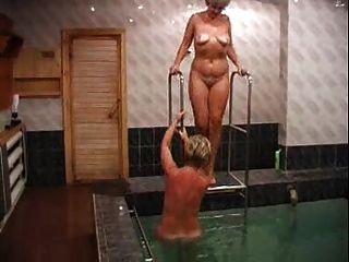 Russische Schlampen In Der Sauna Gefickt