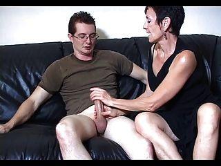 Mama Marie Macht Seinen Großen Schwanz Cum