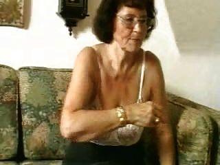 Oma In Den Gläsern Dildoes