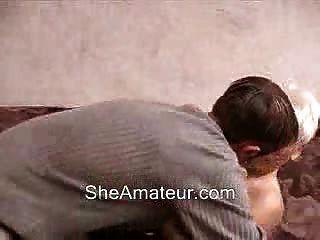 Geile Mutter Weckt Ihren Jungen Liebhaber Bis