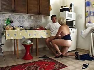 Großmutter Mit Enkel Treibt Es Die