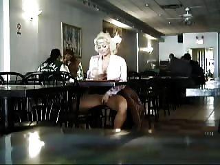 Masturbation In Einem Restaurant In New York