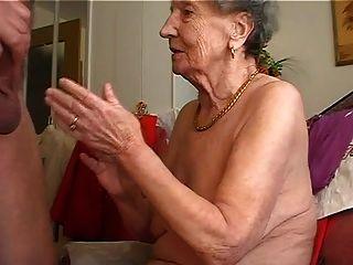 Oma Mag Die Flöte 1