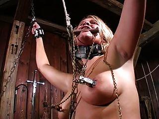 Schmerzhafte Folter