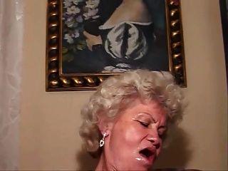 Fucking Hot Grannie Muste Sehen