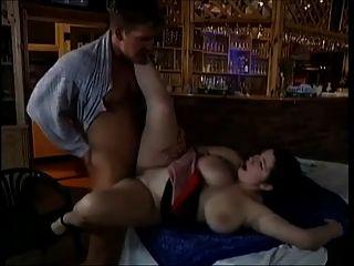 Rothaarige Schlampe Mit Dicken Titten Wird Gefickt