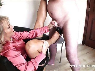 Splasing Cum Auf Strumpf Tops