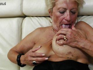 Alte Oma Bekommt Ihre Biber Nass