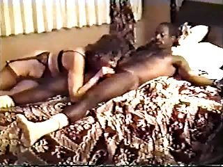 Ein Paar Weiße Frauen Haben Ein Hotel Party, Hubbies Film