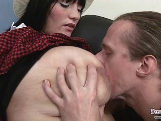 Big Tits Student Simone Wird Gefickt