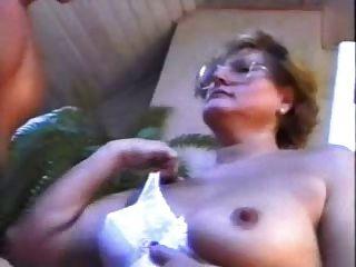 Lotta Nolettty Mit Jungen Hengst Im Bad