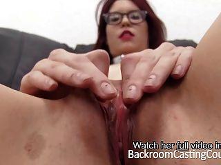 Slave-casting Würgt Sich Selbst Anal Orgasmus