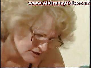 Fett Oma In Den Gläsern