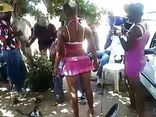 Südafrikanischer Mädchen Ficken Außerhalb Menschen