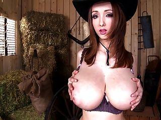 Lucie Wilde-die Gut, Die Brüste Und Die Schönheit (720p)