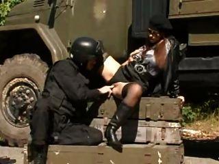 Big Tits Secretservicegirl + Soldat